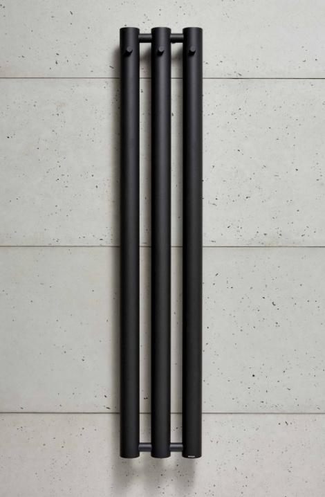 Koupelnový  radiátor  Rosendal  - černá - R70/3B